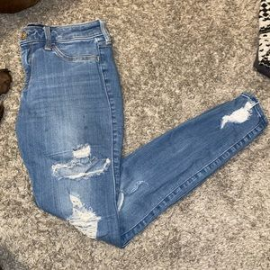 Low rise jeans with rips, skinny